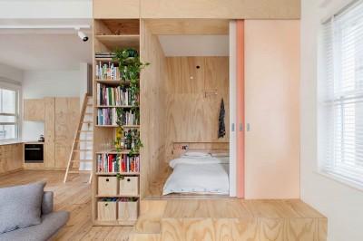 引き戸の向こうの和なベッドルーム