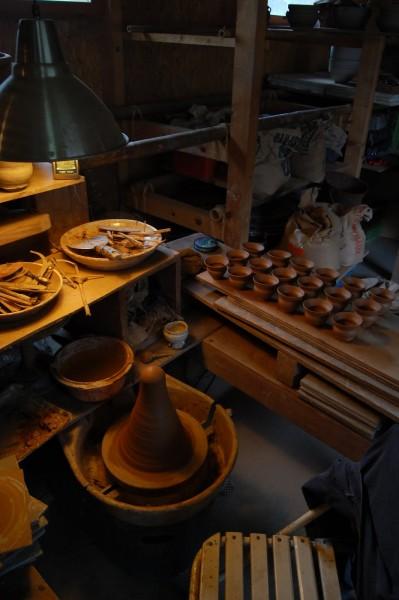 イングランド南西端コーンウォールに住む陶芸家の自宅の陶工房