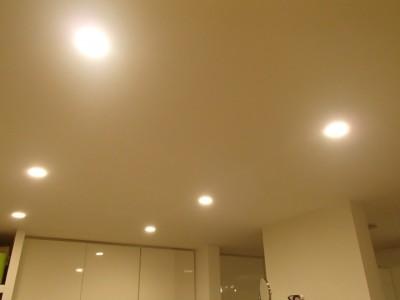 キッチンの上のダウンライト2