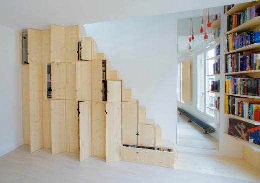 リノベーションでロフトを追加したワンルームマンションの階段兼収納1
