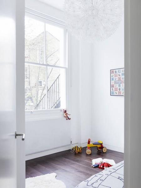 ロンドン北部イズリントンの街に建つメゾネットの2LDKの上階のベッドルームその2 子ども部屋