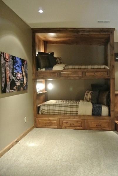 重厚な造作2段ベッドとコーナーの寛ぎスペース 住宅デザイン