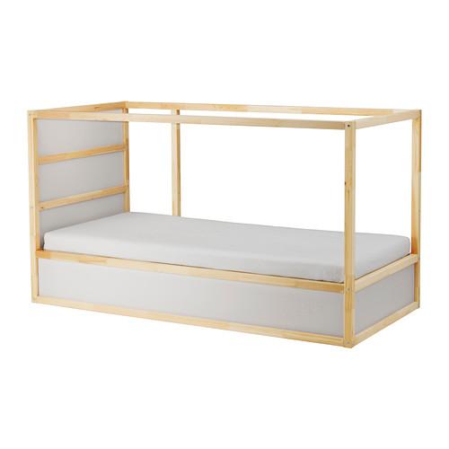 IKEAの木製リバーシブルベッドフレームKURA2