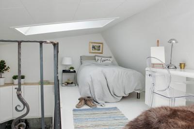 ロフト付きワンルームのロフトベッドルーム