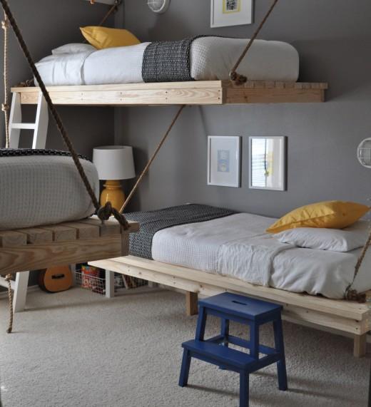 シンプルな2段のハンギング・デイベッドのある子供部屋2
