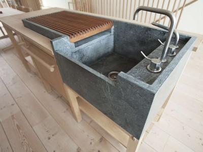 造作の木製アイランドキッチンカウンター2